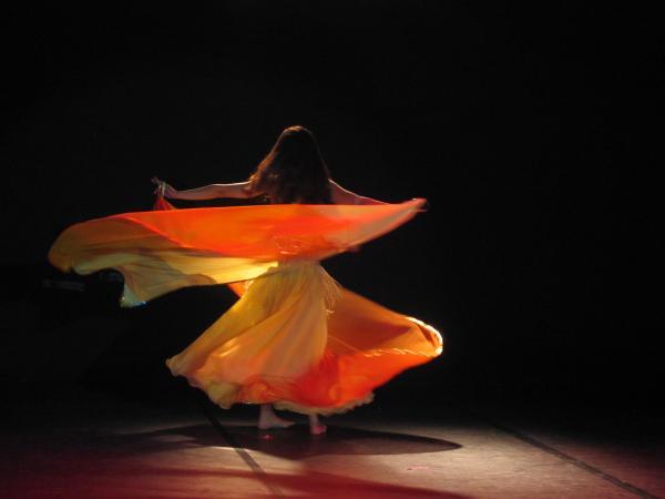 Nadege : danza con doppio velo